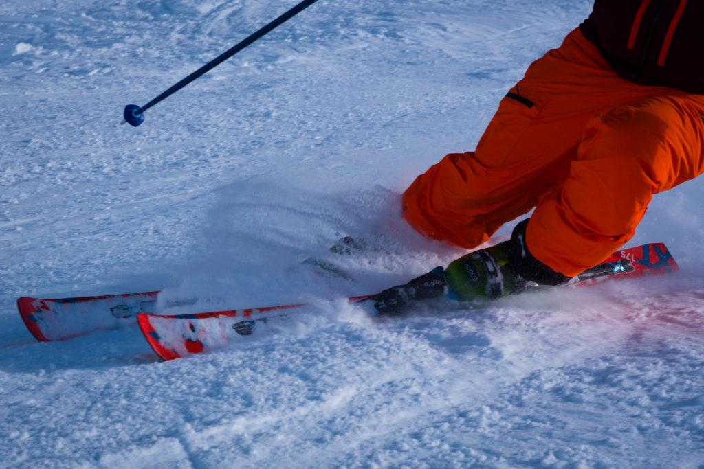 skiing vs snowboarding meribel